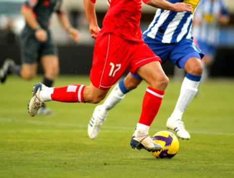 soccer-players-running